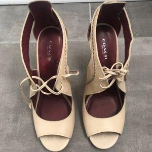 Coach - Classy lace-up women's heels